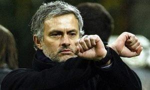 Jose-Mourinho-made-a-hand-001