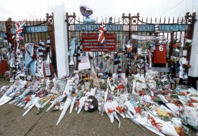 bobby moore flowers at gates