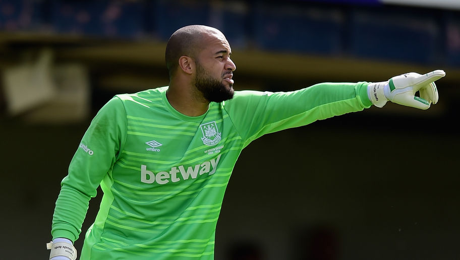 SOUTHEND, ENGLAND - JULY 18:  Darren Randolph of West Ham United in action during the pre season friendly match between Southend United and West Ham United at Roots Hall on July 18, 2015 in Southend, England.  (Photo by Jamie McDonald/Getty Images)