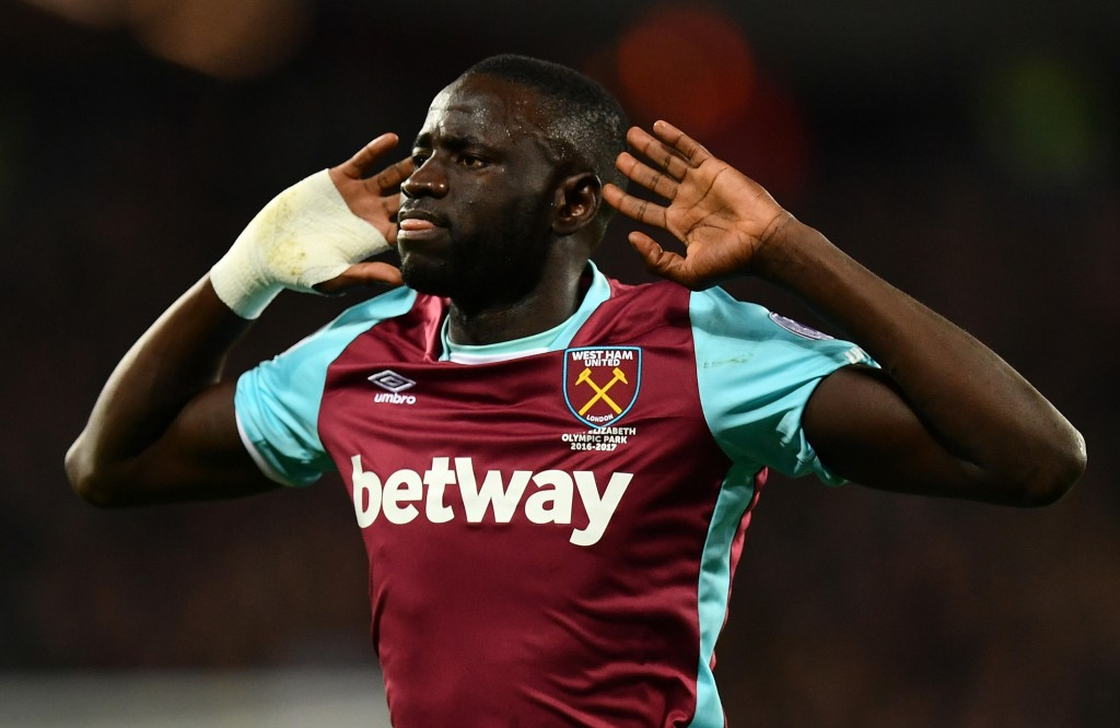 LONDON, ENGLAND - OCTOBER 26:  Cheikhou Kouyate of West Ham United celebrates scoring his sides first goal during the EFL Cup fourth round match between West Ham United and Chelsea at The London Stadium on October 26, 2016 in London, England.  (Photo by Dan Mullan/Getty Images)